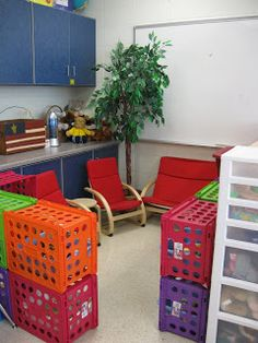 Sether's Kindergarten: Classroom Photos I like the crates for shelves Classroom Layout, Classroom Organisation, Classroom Setting, Classroom Design, Kindergarten Classroom, Future Classroom, Kindergarten Activities, School Classroom, Classroom Management