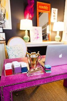 Pink desk on Design Darling could DIY this! Home Office Space, Home Office Design, Home Office Decor, Home Decor, Office Spaces, Ikea Office, Desk Space, Pink Desk, Pink Table