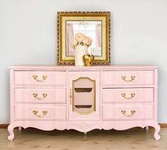 Old World Furniture, Recycled Furniture, Furniture Styles, White Furniture, Shabby Chic Furniture, Furniture Projects, Furniture Makeover, Painted Furniture, Furniture Design