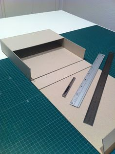 Box (pic with no link) Cardboard Crafts, Paper Crafts, How To Make Box, Book Projects, Handmade Books, Diy Box, Book Binding, Box Design, Box Art