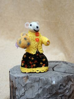 Cute little mouse  Adorable one of a kind needle by Morenafelting