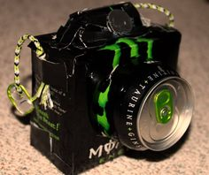 Monster cans made into a camera Energy Drink Monster Room, Monster Energy Girls, Monster Party, Indie Room Decor, Cute Bedroom Decor, Herz Tattoo Klein, Bebidas Energéticas Monster, Monster Decorations, Monster Pictures