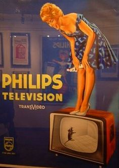 The for Philips tv-sets - Poster - Fotoshooting 1950s Advertising, 1950s Ads, Vintage Advertising Posters, Old Advertisements, Retro Ads, Advertising Signs, Creative Advertising, Vintage Posters, Poster Retro