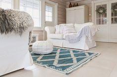 Tarja's Snowland: Olohuoneen uusi ilme ja arvonnan voittaja! | Bright White Livingroom
