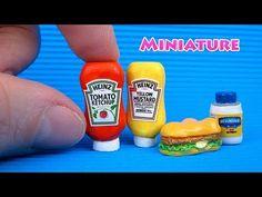 miniature dollhouse DIY Miniature Ketchup, Mustard and Mayonnaise Diy Doll Miniatures, Dollhouse Miniature Tutorials, Polymer Clay Miniatures, Miniature Crafts, Miniature Dolls, Miniature Food, Barbie Dolls Diy, Barbie Food, Doll Food