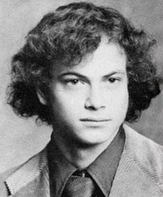gary sinise - him and tom must have conspired with the same barber way before forrest gump