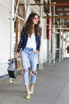 Rockin' this look for sure! 50 Spring Outfit Ideas | StyleCaster come visit blogaboutdesign.com