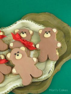 En Español These no icing teddy bear cookies were so easy to make! I wanted to create something cute for my daughters for Christmas. Teddy Bear Cookies, Royal Icing Decorations, Cookie Decorating, Gingerbread Cookies, Sugar Cookies, Baking, Desserts, Christmas, Google Search