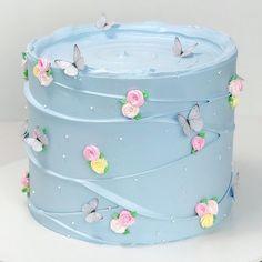Butterfly Birthday Cakes, Blue Birthday Cakes, 18th Birthday Cake, Beautiful Birthday Cakes, Butterfly Cakes, Beautiful Cakes, Simple Birthday Cakes, Simple Birthday Cake Designs, Amazing Cakes