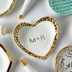 Personalized Ring Dish  Hammered Gold Heart  от ModernMud на Etsy