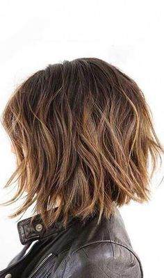 20 Short Choppy Hairstyles To Try Out Today hair Choppy hair choppy bob hairstyles - Bob Hairstyles Short Choppy Bobs, Choppy Bob Haircuts, Messy Bob Hairstyles, Hairstyles Haircuts, Trendy Hairstyles, Party Hairstyles, Layered Choppy Bob, Choppy Layers, Long Layered