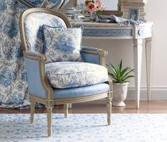 toile-blue-french-chair-bedroom-decor-home-room-ideas-pierre-deux+eclecticrevisited.jpg (500×424)