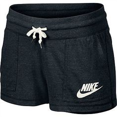 Lazy days or a low-key workout call for casual wear that flatters, like the Women's Nike Gym Vintage Shorts. Nike Outfits, Sport Outfits, Winter Outfits, Summer Outfits, Casual Outfits, Casual Wear, Vintage Shorts, New York Fashion, Teen Fashion
