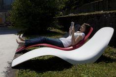 lounge-möbel-outdoor-liegestuhl-in-weiß