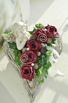 "Grave arrangement ""Heart"" permanent floristry, weather … – Famous Last Words Easter Flowers, Fall Flowers, Pink Flowers, Valentine Wreath, Valentine Decorations, Flower Decorations, Deco Floral, Art Floral, Floral Design"