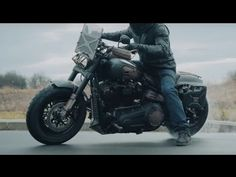 FAT MAX – Custom Harley Davidson Fat Bob 2018 || Police Harley