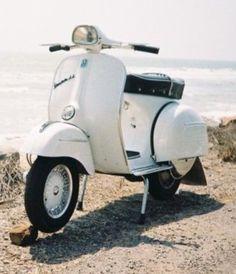 Motor Scooters, Vespa Scooters, Vespa 150, Piaggio Vespa, Scooter Bike, Retro Motorcycle, Vw Beetles, Vintage Vespa, Vehicles