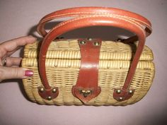 love those vintage purses! 1970s- I had one of these! :-D