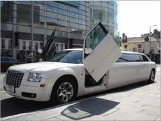 Sick White Limo found it on http://www.limoprices.org/