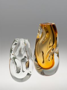 Stunning vases and bowls made out of glass by Brazilian artist and designer Jacqueline Terpins. More glass on the grid Visit her website