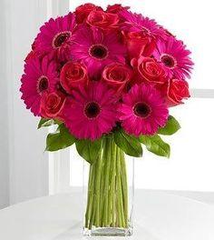 ramo tonos fucsia con gerberas y rosas