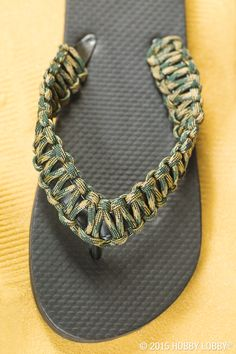 Want to take paracord on a play date? Update old flip flops by making square knots around the existing straps.