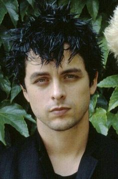 Oh my, here is beautiful,small, dark and handsome Billie Joe Armstrong, ready to melt your heart anytime you want.