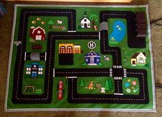 idea for section of the picnic rug Felt Crafts, Crafts To Make, Crafts For Kids, Operation Christmas Child, Projects For Kids, Sewing Projects, Car Play Mats, Car Mats, Felt Play Mat