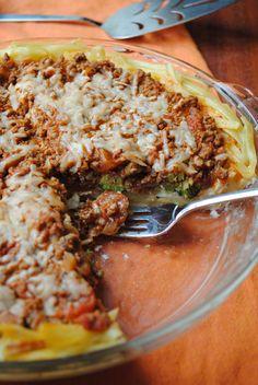 Italian Fettuccine Pie - the crust is fettuccine & mozzarella - 350 calories a slice!