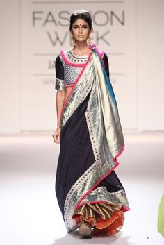 Latest trends in Beauty, Fashion, Indian outfit ideas, Wedding style on your mind? We bring to you hand picked collections for inspiration Saree Wearing Styles, Saree Styles, Lakme Fashion Week, India Fashion, Indian Dresses, Indian Outfits, Drape Sarees, Yves Saint Laurent, Modern Saree