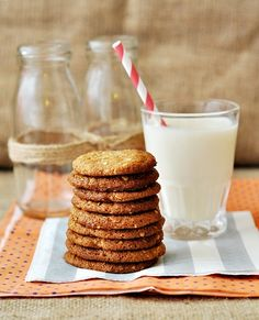 Peanut Butter, Honey & Oatmeal Spelt Cookies - chewy and nutty all the way! Quinoa Cookies, Honey Cookies, Milk Cookies, Oatmeal Cookies, Peanut Butter Desserts, Peanut Butter Oatmeal, Peanut Butter Fudge, Fodmap Baking, Spelt Recipes