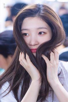 dedicated to female kpop idols. Kpop Girl Groups, Korean Girl Groups, Kpop Girls, Korean Beauty, Asian Beauty, Jung Chaeyeon, Chinese Actress, Korean Actresses, Ulzzang Girl