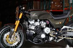 Honda CBX 1000 Cafe Racer Power Six Carbon - Photo by CycleWorld #motorcycles #caferacer #motos | caferacerpasion.com