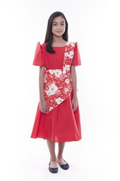 This is the perfect costume for any Filipino event. Has traditional Filipiniana butterfly sleeves and comes with matching sash, tapis, and bandana. Modern Filipiniana Gown, Filipiniana Wedding, Barong Tagalog For Women, Kids Gown, Dress Sash, Girl Costumes, Short Sleeve Dresses, Clothes, International Festival