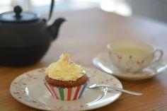 Капкейки (Пирожное)  пекутся быстро , всеми любимы и  могут заменить свадебный торт или прекрасно дополнить его! Desserts, Food, Tailgate Desserts, Deserts, Eten, Postres, Dessert, Meals, Plated Desserts
