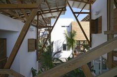 Guatemala Beach House  / Christian Ochaita  + Roberto Gálvez