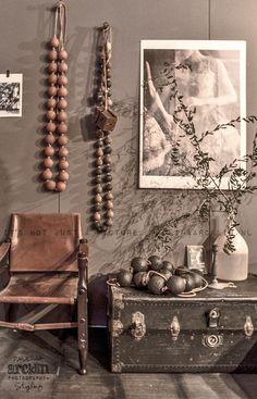 rustic browns alongside shades of grey ☆ Deco Ethnic Chic, Ethnic Decor, African Interior, African Home Decor, Wabi Sabi, Interior Inspiration, Design Inspiration, Deco Boheme, Japanese Interior