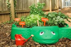Put that old sandbox to good use by repurposing it into a fun, kid-friendly garden chock-full of healthy fruits and veggies. projects Upcycle a Sandbox Into a Kid-Friendly Garden Diy Garden Projects, Projects For Kids, Garden Tools, Art Projects, Garden Pictures, Upcycled Crafts, Upcycled Garden, Recycled Art, Permaculture