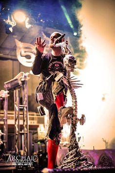 and-the-distance:  Ivan Moody - Five Finger Death Punch