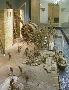 Roman crane, employed in 70/71 AD to build the walls of a Roman fortress.