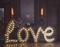 Love is in the air Country Wedding Flowers, Cool Countries, Love Home, Champagne, Weddings, Interior Design, Design Interiors, Bodas, Home Interior Design