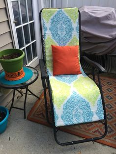 DIY Zero Gravity Chair Pad Made From Foam And An Indoor/outdoor Tablecloth!  This