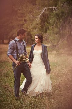 Love the suspenders and photo capturing the groom being a gentleman to his lady Xox