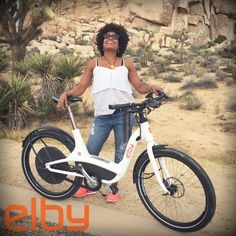 Elby was spotted putting a smile on Lisa Silvera this weekend in #JoshuaTree! #CyclingLife #RideYourBike #eBike