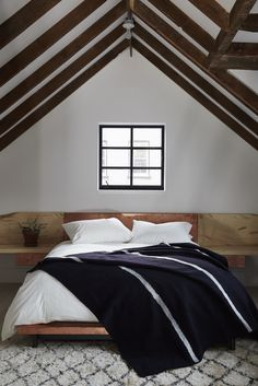 zen bedroom decor - Internal Home Design Bedroom Ceiling, Bedroom Decor, Trending Decor, Bunk Bed Designs, Home, Guest Bedrooms, Bedroom Design, Small Bedroom, Rustic Bedroom