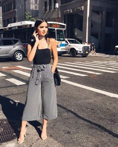 37 Purple Street Style Outfits To Inspire Everyone - Global Outfit Experts Cullotes Outfit Casual, Culottes Outfit, Casual Hijab Outfit, Dressy Outfits, Office Outfits, Stylish Outfits, Summer Outfits, Business Outfits, Summer Shorts