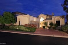 Great Biltmore Hillside Villa Home! $560,000    Beds: 3, Baths: 2.5, SqFt: 2362  Contact me for more details!