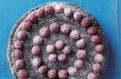 Dark chocolate and raspberry tart. Discover our recipe rated by 28 members. Chocolate Icing, Melting Chocolate, Tart Recipes, Dessert Recipes, Desserts, Chocolate And Raspberry Tart, Savory Tart, Just Cooking, Recipe Of The Day