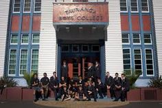 Colegio de educación secundaria en la ciudad de #tauranga. Estudia en #taurangaboyscollege con #xploraeducation .Es uno de los mejores colegios para niños de Nueva Zelanda, ayudándolos a desarrollar sus habilidades en el proceso de tornarse hombres.