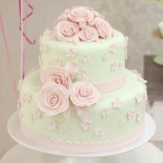 cha de bebê, baby shower, menina, girl, verde rosa e dourado, green pink and gold, bolo, cake. Pretty Cakes, Cute Cakes, Beautiful Cakes, Fondant Cakes, Cupcake Cakes, Bolo Fack, Royal Cakes, Fondant Decorations, Amazing Wedding Cakes